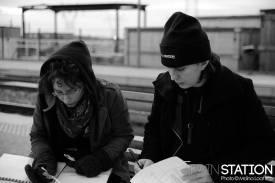 Sur le tournage de Train station, fiction. Crédit: Maïna Loit